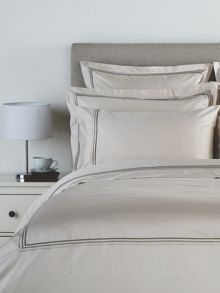 Luxury Egyptian bedding range in Linen