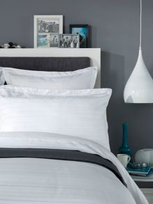 Vermont bed linen collection in White