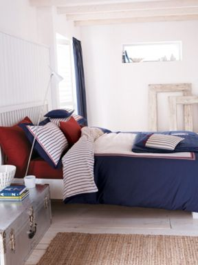 V&A Seaside air bed linen in navy