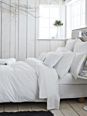 Bedeck Classic white bed linen