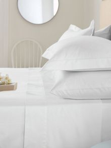 Bedeck 300TC bedlinen in white