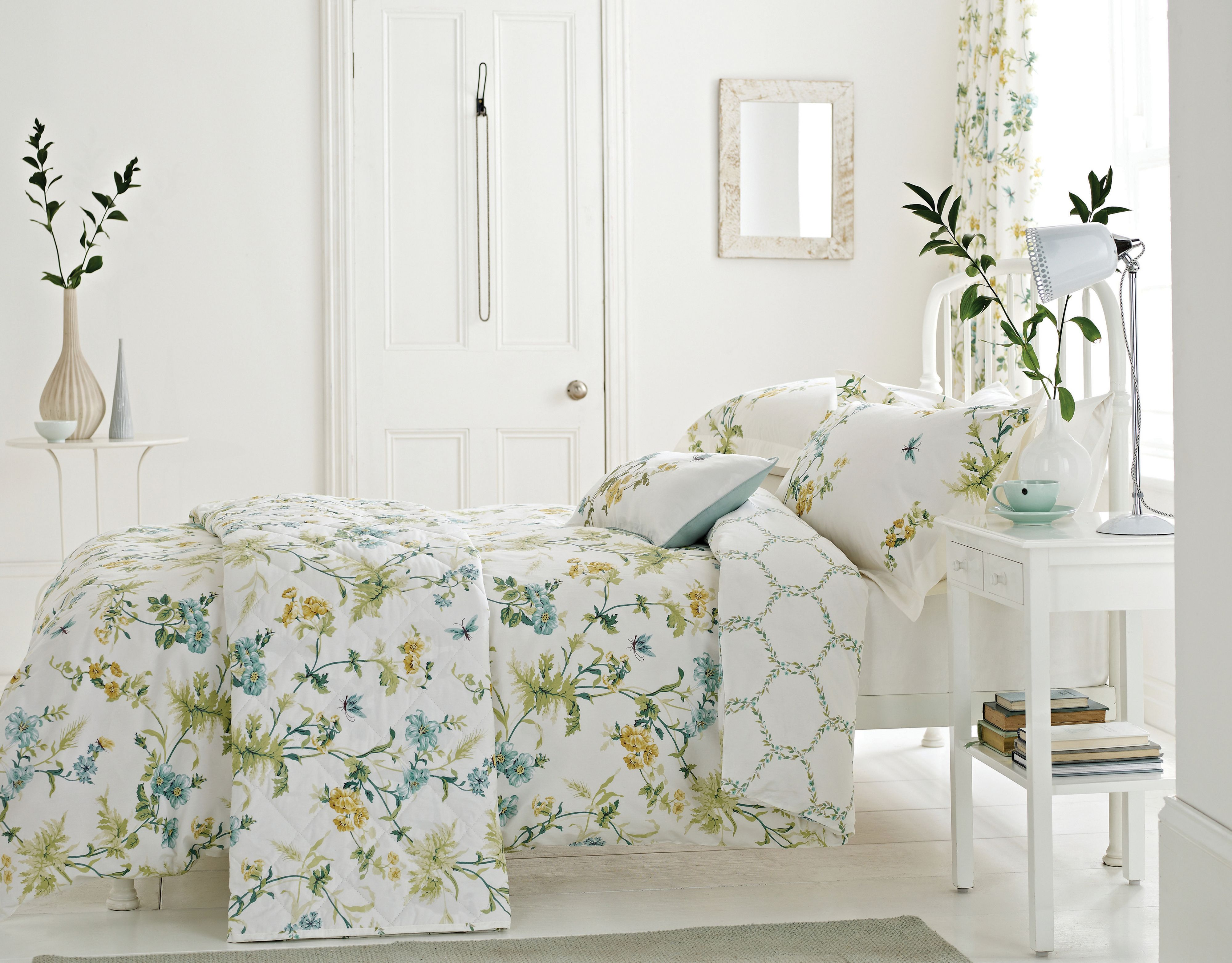 Primrose Hill bedding in Duck Egg