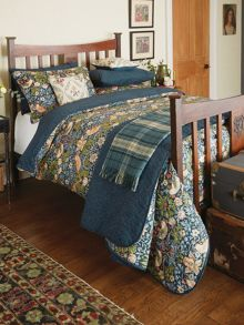 Morris & Co Strawberry Thief bedding range