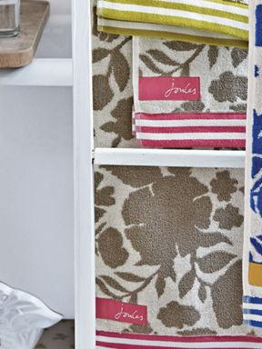 Joules Floral Taupe towel range