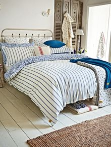 Sea Ditsy bedding range