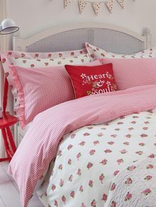 Julie Dodsworth Heart & Soul bed linen range in Red