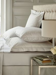 Fable Fable Silver bed linen range