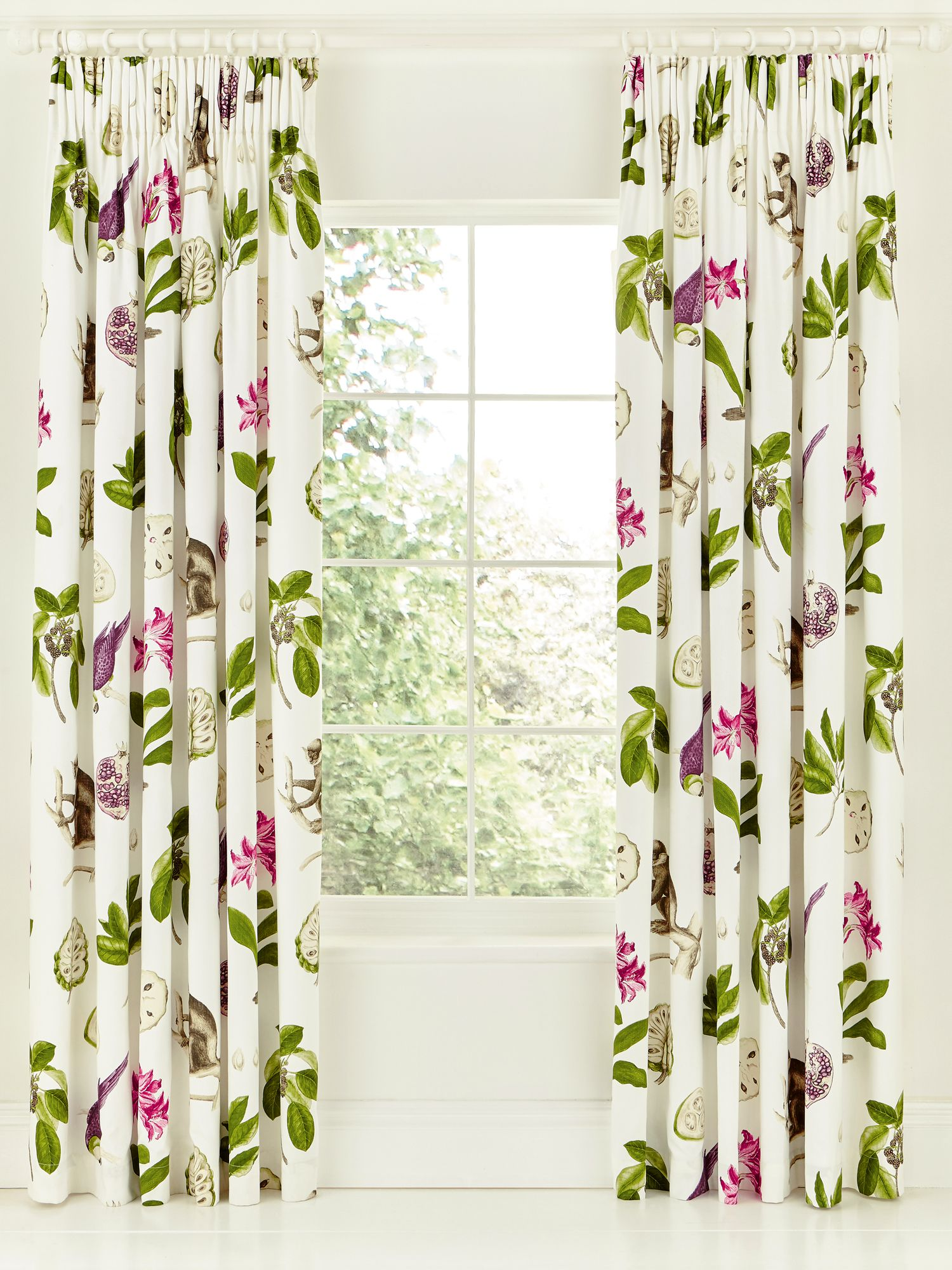 Capuchins Lined Curtain 66x72 In Berry