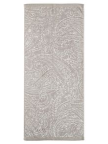 Fable Charente bath towel range in Silver