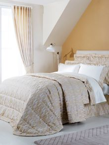 Larkin bedspread range in Gold