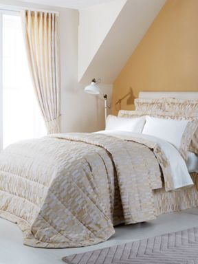 Christy Larkin bedspread range in Gold