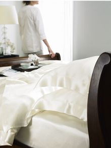 Silk bed linen in ivory