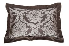 Jacquard silk bed linen in truffle brown