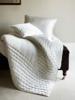 Gingerlily Dimple bedspreads in ivory