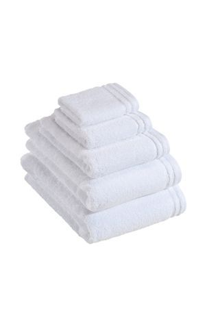Calypso Feeling towel range in white