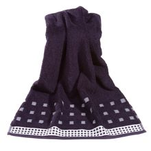Country  towels in deep purple/ivory