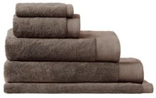 Luxury retreat towels in husk