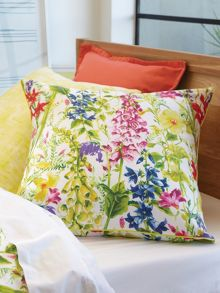 Maia chatreuse bed linen
