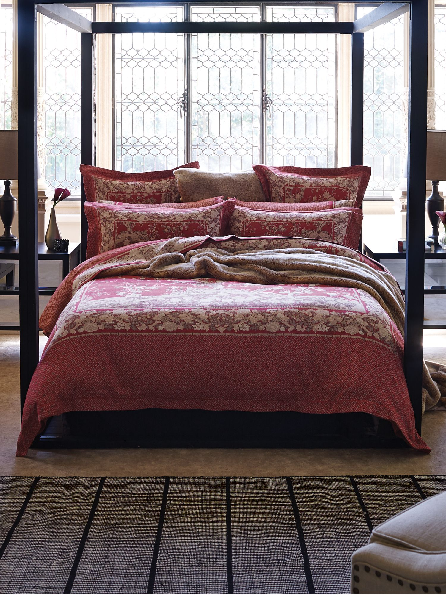 Severin phoemix bed linen