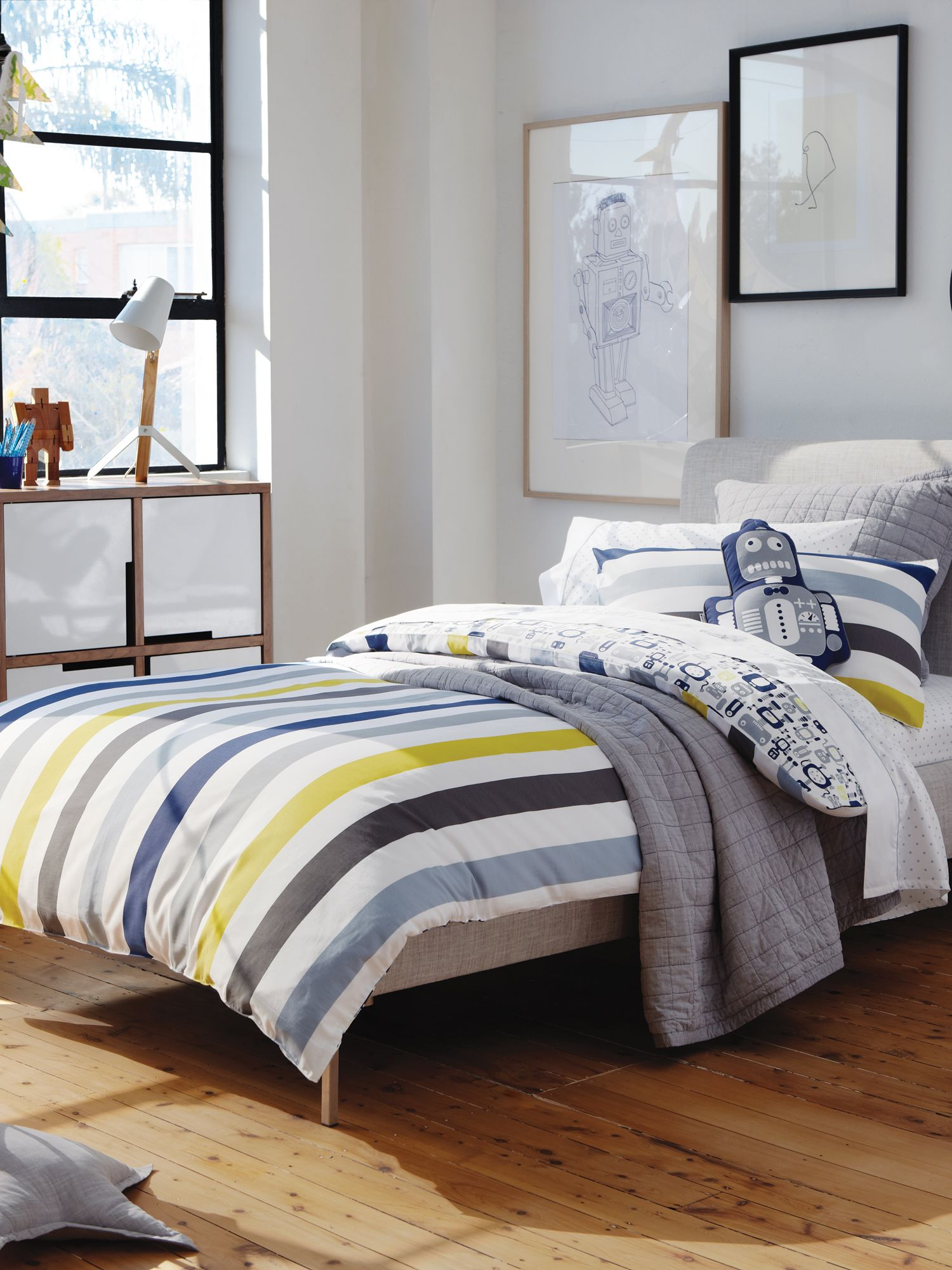 Rhys bed linen in chatreuse