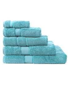 Jade towel range in green