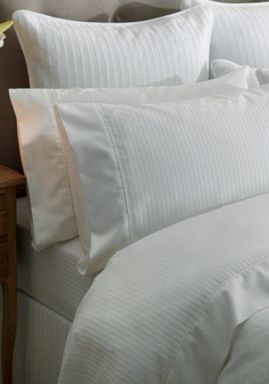 Sheridan Columbus bed linen in snow