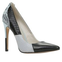 Olauviel pointed toe court shoes