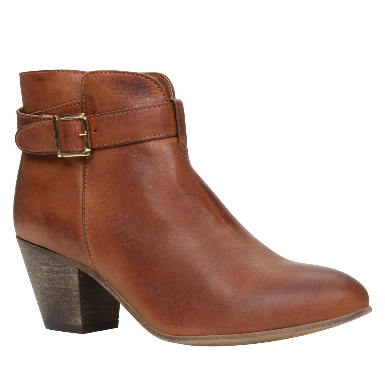 Incinante almond toe ankle boots