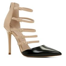 Kieu buckle court shoe