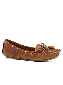 Sumsion boat shoe loafer