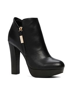 Asadda stacked heel ankle boots