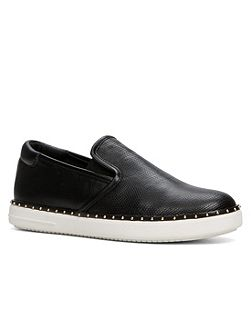 Tirania slip on trainers