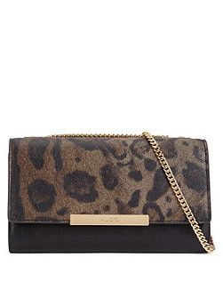 Lantry clutch bag