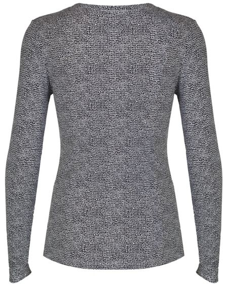 Cuddl Duds Long sleeve v-neck top