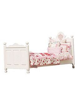 Tess Medallion Bed