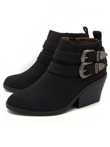 Qupid Zora buckle boot