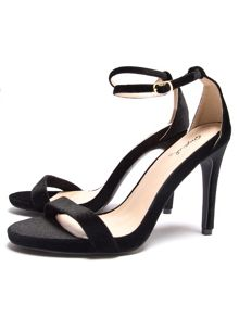 Qupid Grammy strappy sandal