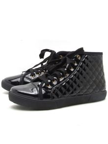 Qupid Reeve lace up sneaker