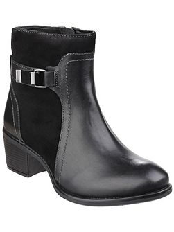 Fondly nellie zip up ankle boots