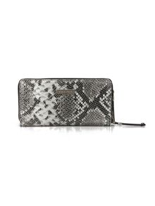Village England Wentworth wristlet
