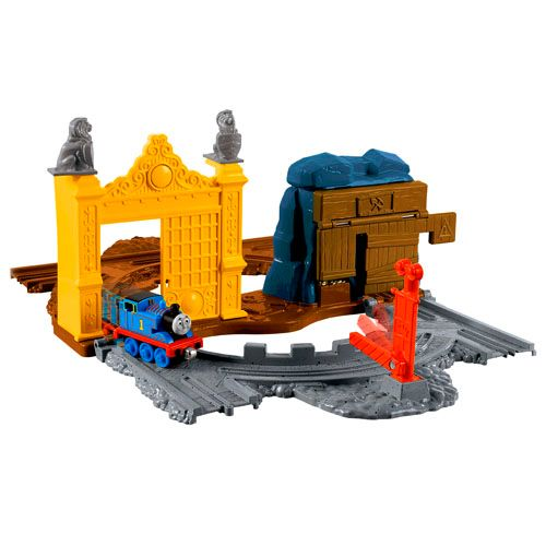 Thomas the tank Treasure on the Tracks playset