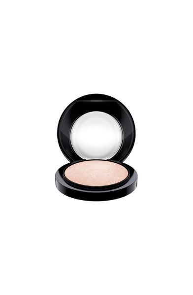 M·A·C Mineralize Skinfinish