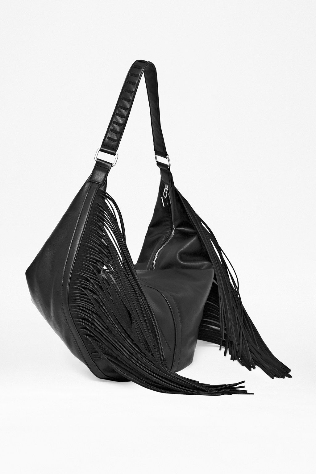 Indie fringe shoulder bag