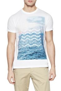 Waves Graphic Crew Neck Regular Fit T-Shirt
