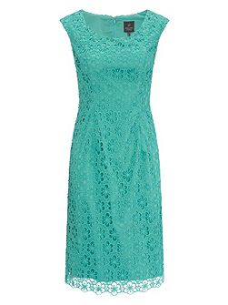 Cap sleeve lace shift dress