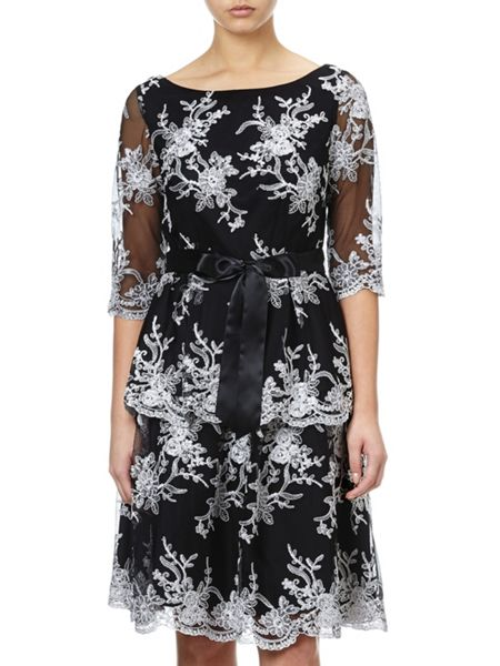 Adrianna Papell 3/4 sleeve lace blouse
