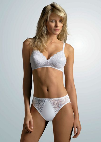Triumph Amourette 300 padded non wired bra
