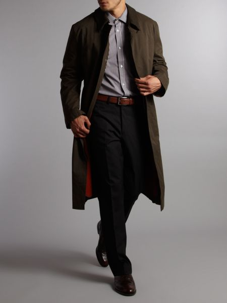 Long length trench coat  with detachable collar