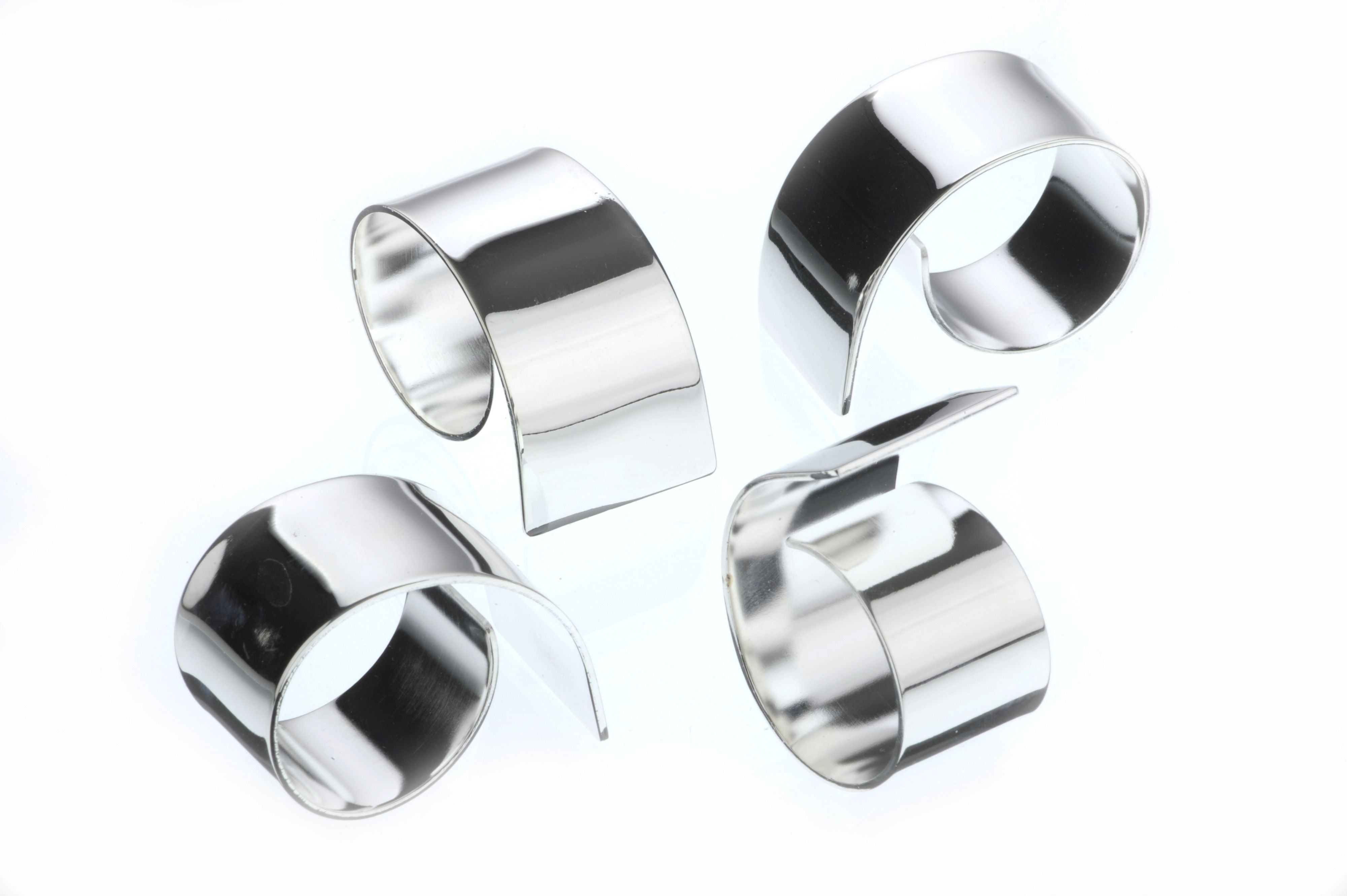 Silver plated set of 4 swirl napkin rings