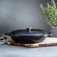 Black 31cm low round cast iron casserole